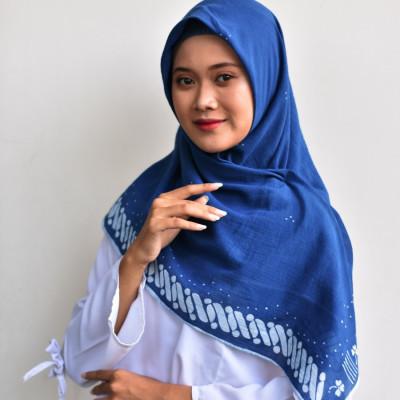 hijab-batik-tulis-winih-indigo