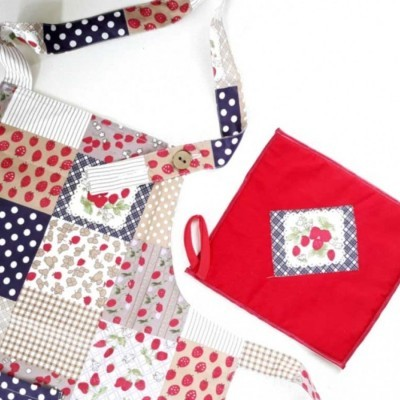 apron-oven-mitts-shabby-strawberry