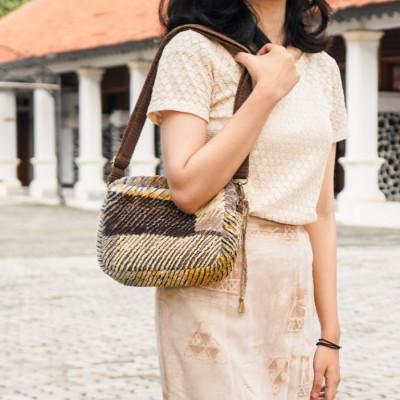 adora-sling-bag
