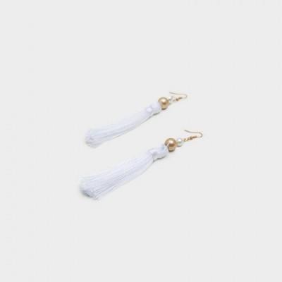 anting-handmade-tassel-ivana-white