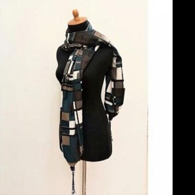 gesyal-syal-travelling-argyle-kotak-hitam-scarf-wanita