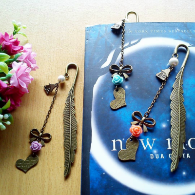bookmark-pembatas-buku-metal-love-letters