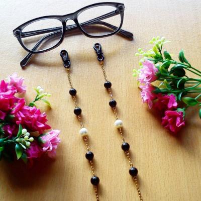 rantai-kacamata-black-gold