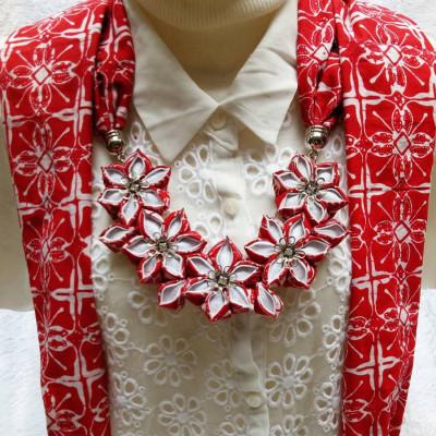 kalung-batik-scarf-sakura-merah