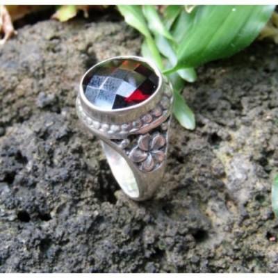 cincin-perak-motif-ukiran-bunga-batu-garnet-100268