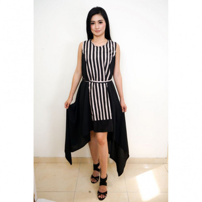 gesyal-dress-batik-midi-kombinasi-asimetris-lurik-runcing-wanita-hitam