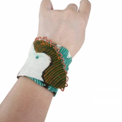 gelang-etnik-aksesoris-gelang-wanita-g10-gesyal-batik-daun-gelang-tangan-lilit