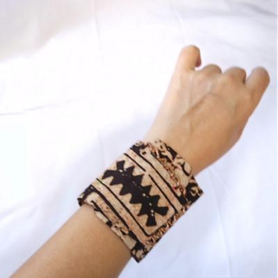 gelang-tangan-batik-tali-wanita-etnik-gesyal-coklat-maron