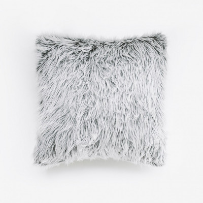husky-fur-cushion-40-x-40
