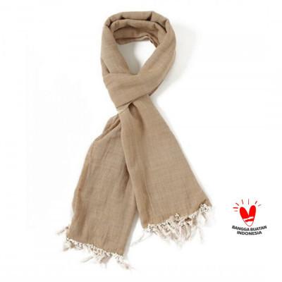 gesyal-syal-scarf-tenun-tangan-polos-krem-khahis-bahan-minim-setrika-tidak-mudah-kusut