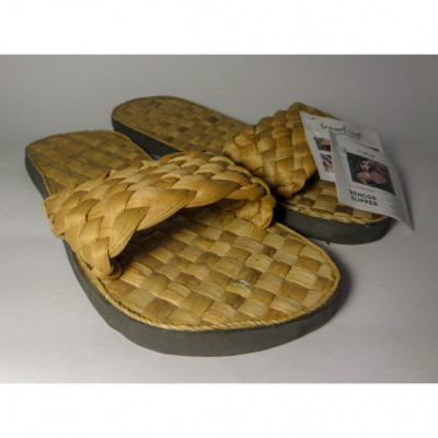 bengok-slipper-selop_selop-enceng-gondok-handmade