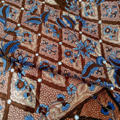 kain-batik-tulis-buketan-latar-sidomukti