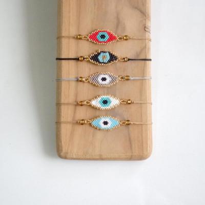 gelang-manik-eyes