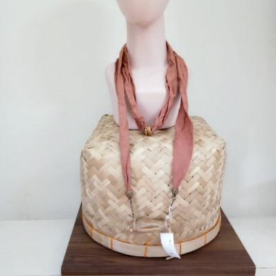 kalung-batik-handmade-unik-bandul-gamelan-kendang-kayu-gesyal-coklat