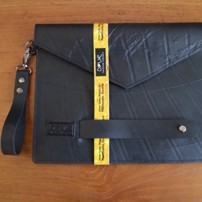 ipad-case-clutch-innertube-ban-dalam-truck-label-hitam