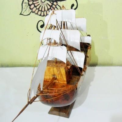 miniatur-kapal-kayu-black-pearl