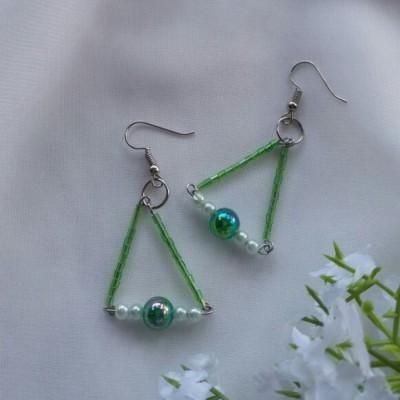 anting-triangle-hijau