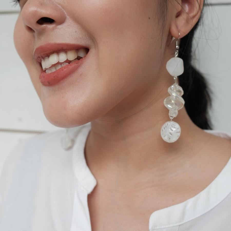 VASO EARRING white transparent